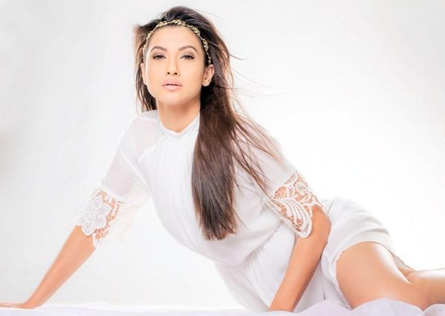 Gauahar Khan started Badrinath ki Dulhania shoot in Singapore