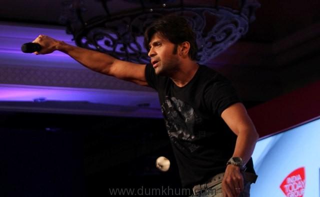 himesh-reshammiyanoted-singer-at-india-today-safaigiri-award-function-in-new-delhi-on-sunday-5-1