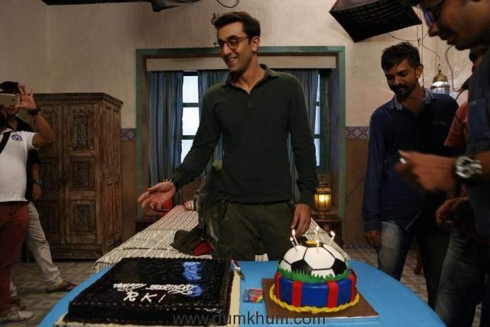 Ranbir Kapoor celebrates his birthday on the sets of Jagaa Jasoos.