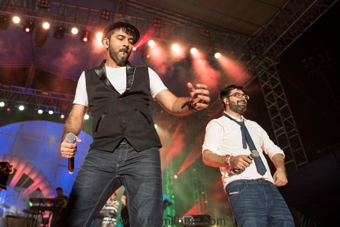 sachin-jigar-performs-at-hungama-bollywood-music-project