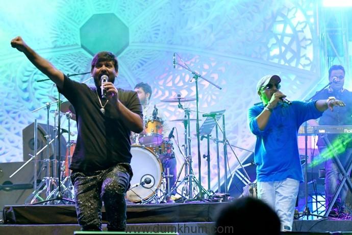 sajid-wajid-performs-at-hungama-bollywood-music-project