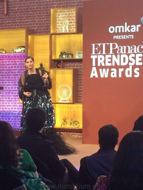 Sonam Kapoor awarded ET Panache's Trendsetter Award 2016 !