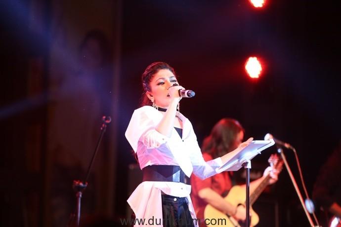 Tulsi Kumar performing at an event