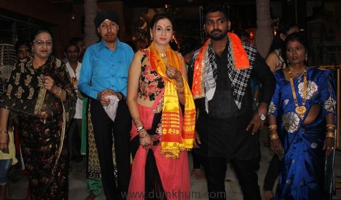 aakhir-kyon-team-at-shree-siddhivinaya-temple-at-dadar-prabhadevi-1