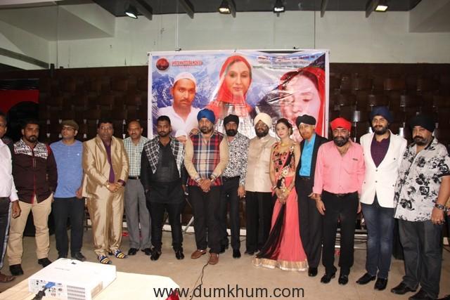 aakhir-kyon-team-at-shree-siddhivinaya-temple-at-dadar-prabhadevi-poster-launch