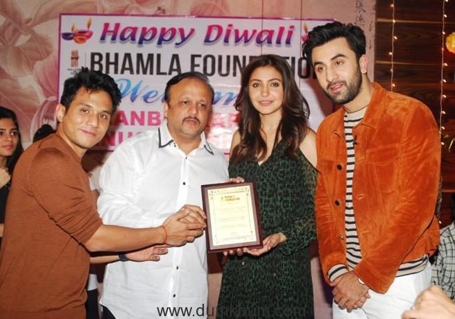 Ranbir Kapoor, Asif Bhamla & Anushka Sharma at Bhamla Foundation's Diwali celebrations with orphan & special kids at TAP Resto Bar.