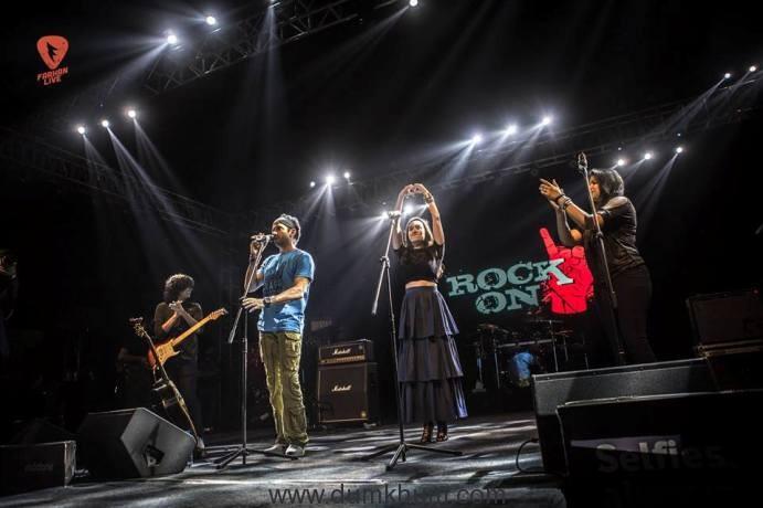 farhan-akhtar-and-shraddha-kapoor-as-lead-vocalists