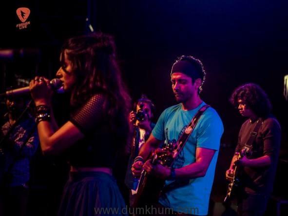 farhan-akhtar-and-shraddha-kapoor-as-lead-vocalists-5