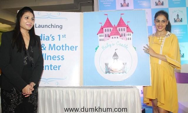 genelia-dsouza-deshmukh-with-dr-priyanka-bhoir-at-the-launch-of-babys-castle