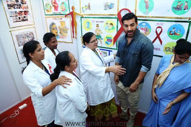 john-abraham-at-the-health-exhibition-organise-at-holysprit-hospitalandheri-east-for-50-year-golden-jubile-celebration