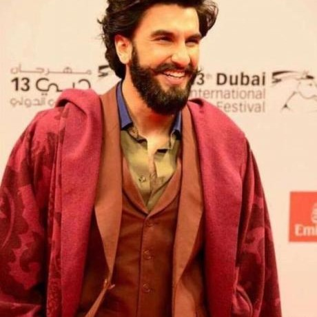 Ranveer Singh completes 6 years, we trace 6 iconic looks from his journey!
