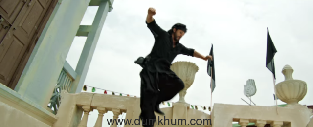 Shah Rukh is back with a thrilling chase sequence in 'Raees.' after Darr