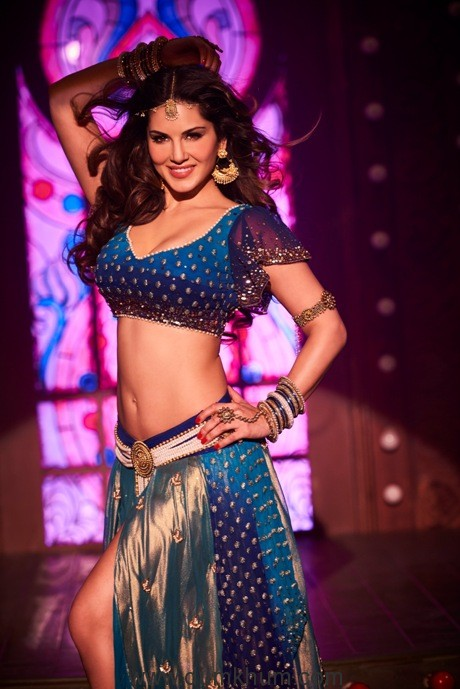 Sunny's first look from Laila Mai Laila