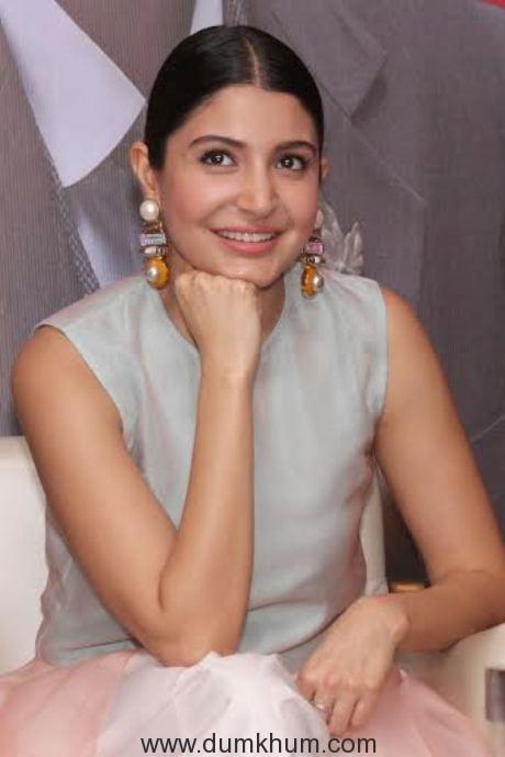 Anushka Sharma - White.-