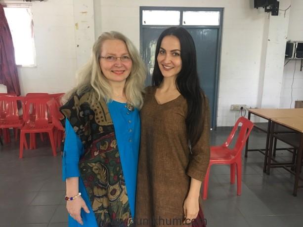 Elli AvrRam & mom Marina Granlund