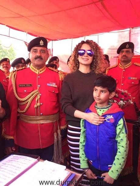 Kangana Ranaut visits Armed Forces in Jammu 3