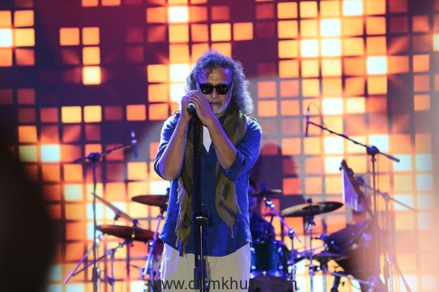 Lucky-Ali-Performing-at-the-Kingfisher-Ultra-Pre-Derby-Celebration--2