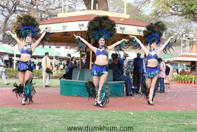 Samba-Dancers-at-the-Kingfisher-Ultra-Pre-Derby-Celebration