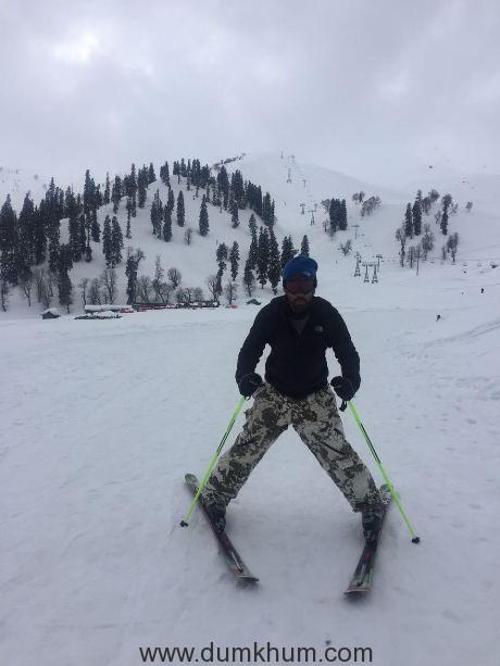 Amit Sadh learns skiing in Gulmarg!