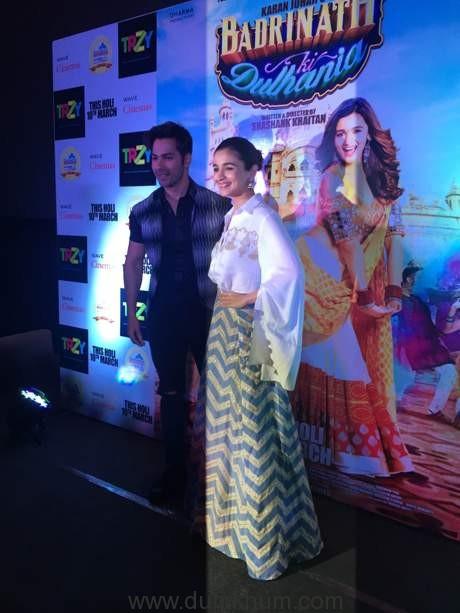 Alia bhatt and Varun dhawan at Lucknow-1
