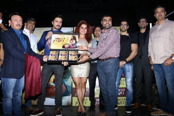 Darshan Kumaar- Pia Bajpai starrer 'Mirza Juuliet' music launches