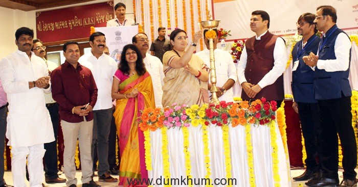 30 per cent subsidy for upgradation of power loom sector : Smriti Irani
