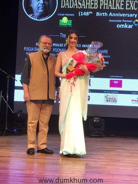 Divya Khosla Kumar receives the Dadasaheb Phalke Award of excellence for philanthropy and social work