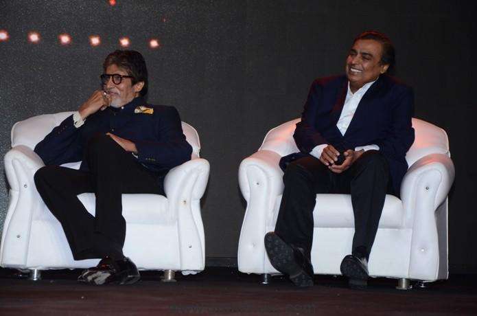Amitabh Bachchan and Mukesh Ambani at Udaan Launch (34)