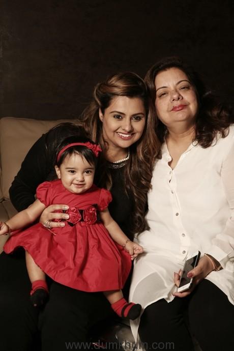 Deepshikha with Diviyanaa & mother Pooja Bhagnani