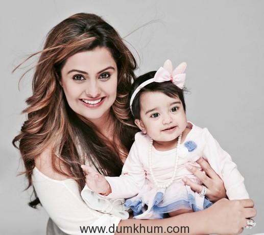 Deepshikha with daughter Diviyanaa