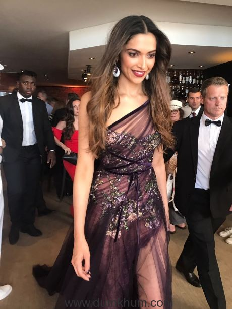 First Look - Deepika Padukone at the Cannes Film Festival 2017 (1)
