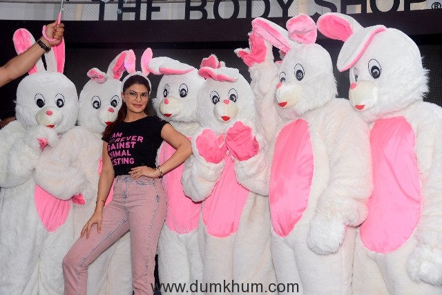 Jacqueline Fernandez, Brand Ambassador, The Body Shop with Bunnies (2)