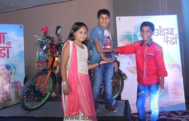 (L-R) Mrunal Jadhav, Atharva Bedekar and Shubham Parab.