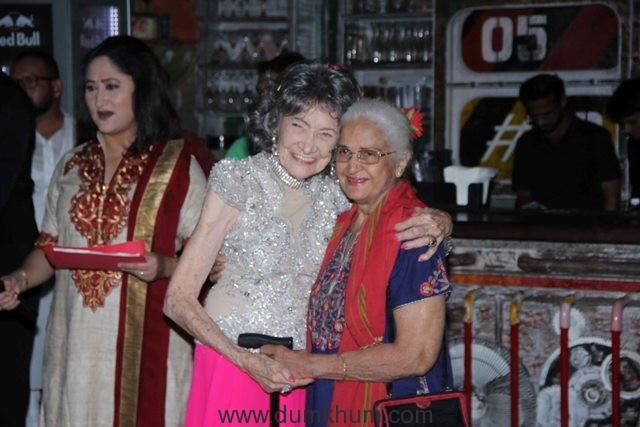 Tao Porchon Lynch with Kamini Kaushal