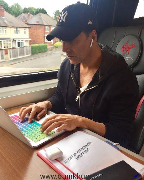 Akshay Kumar Rides in a Train to London