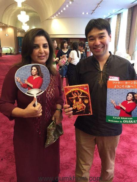 Farah Khan receives a warm Japanese welcome !-