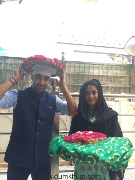 Aadar Jain & Anya Singh visit the Holy Ajmer Sharif Durgah-