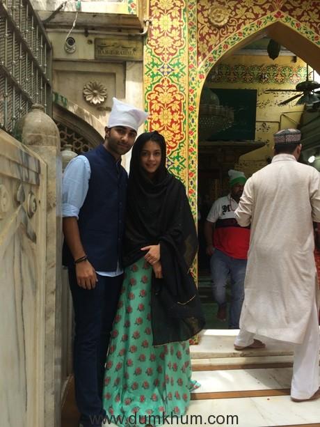 Aadar Jain & Anya Singh visit the Holy Ajmer Sharif Durgah1