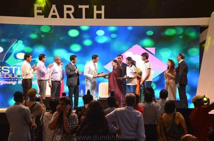 Akshay Kumar with CM Vasundhara Raje