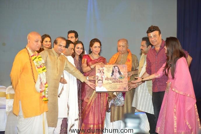 Hema Malini ushers in the true spirit of JANMASHTAMI with bhajan album launch at ISKCON!