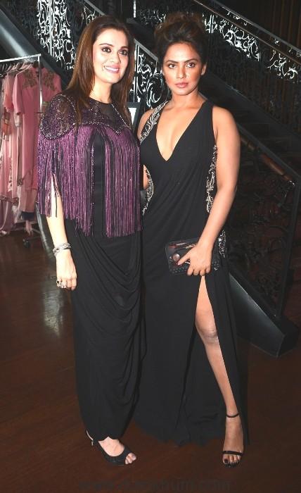 9 Neetu Chandra with Rebecca Dewan a