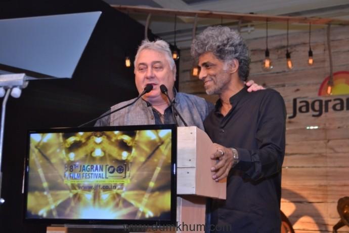 Barry John & Makarand Deshpande at 8th Jagran Film Festival Award Night (1)