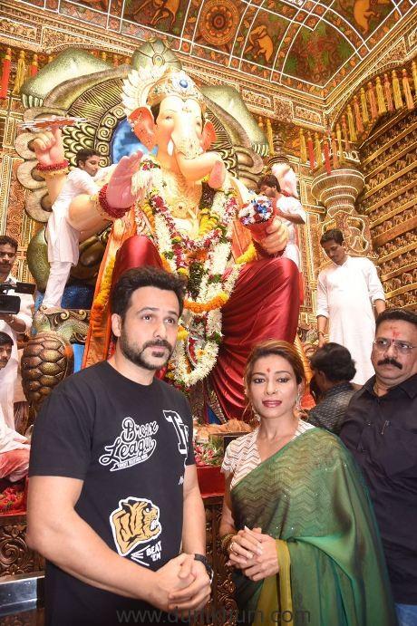 Emraan Hashmi Visiting Lalbaughcha Raja - Sangeeta Ahir