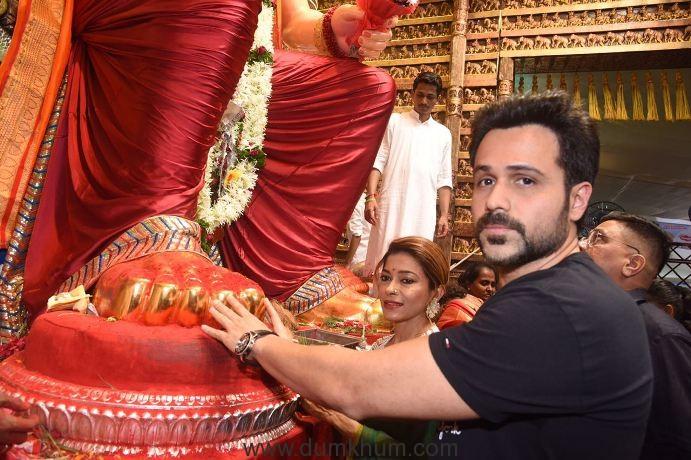 Emraan Hashmi Visiting Lalbaughcha Raja