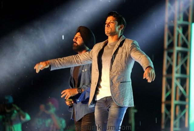 Gippy Grewal & Farhan Akhtar Promote Lucknow Central in Chandigarh (6)