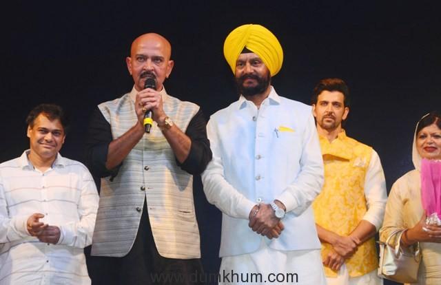 """L-R - Rakesh Roshan, Jitender Singh Shunty and Hrithik Roshan at Basanti Chola Diwas"""" at Bhaidas Auditorium Mumbai on 28th September 2017"""