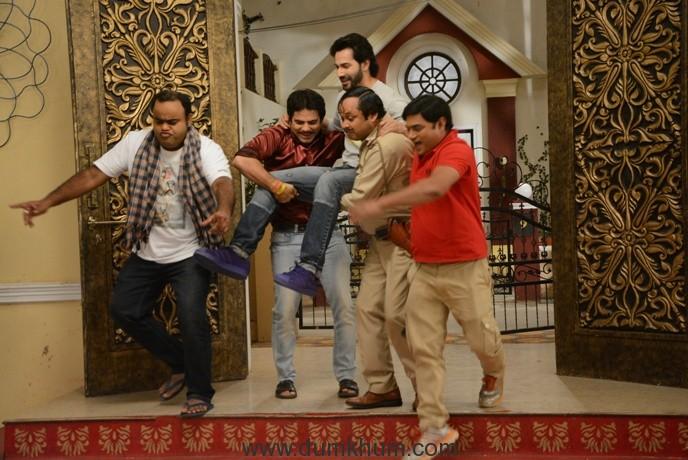 Image 2 - Varun Dhawan joins the team of Bhabhiji Ghar Par Hai on their show!