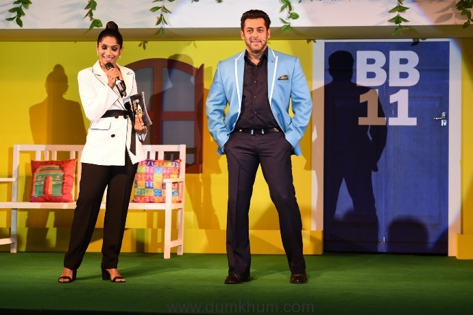 Salman Khan and Jamie Lever at the launch of COLORS Bigg Boss 11 (26-09-17)