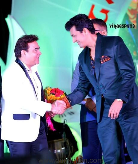 Sonu Nigam with Rajeev Kapur