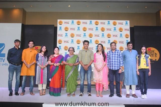 The cast of Dil Dhoondta Hai with Deepak RajadhyashaDeputy Business Head, Zee TV and Producer Nitin Vaidya